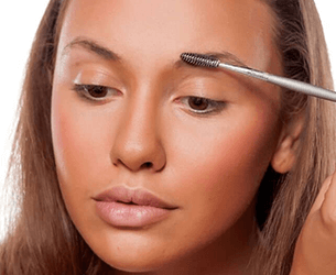 How To Put On Foundation With Henna Brows