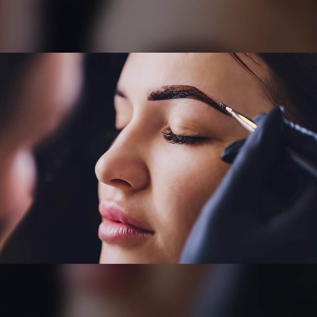 Considerations in Choosing the Right Henna Brow Color
