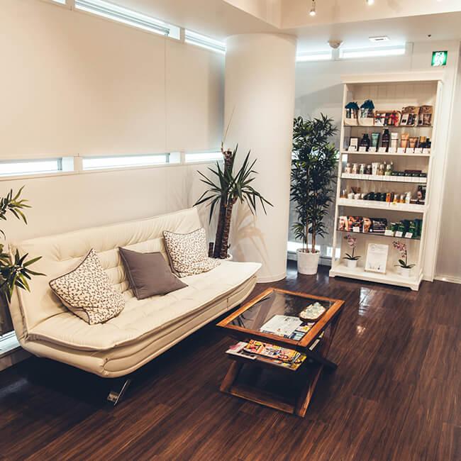 Top henna brow salons world Elana Jade
