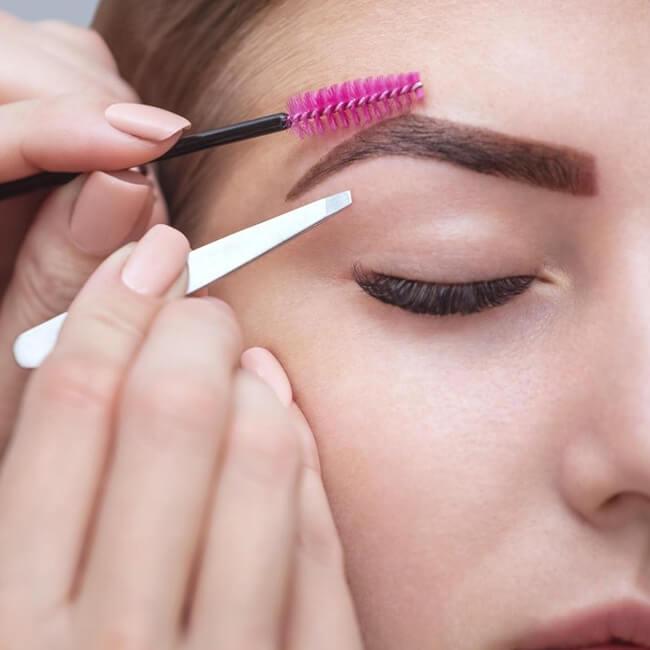 safety tips applying henna eyebrows